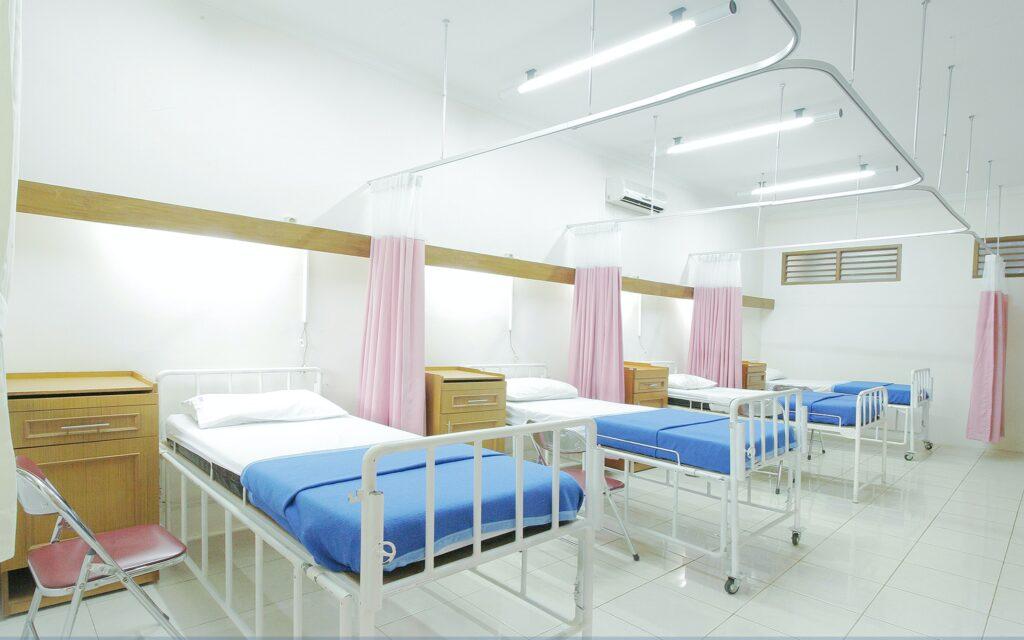 小室佳代 入院